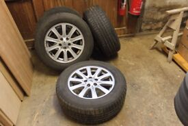 Discovery 3 winter tyres on alloy rims 255/60 R18