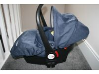 Babystyle Oyster car seat + adapters - blue denim *can post*