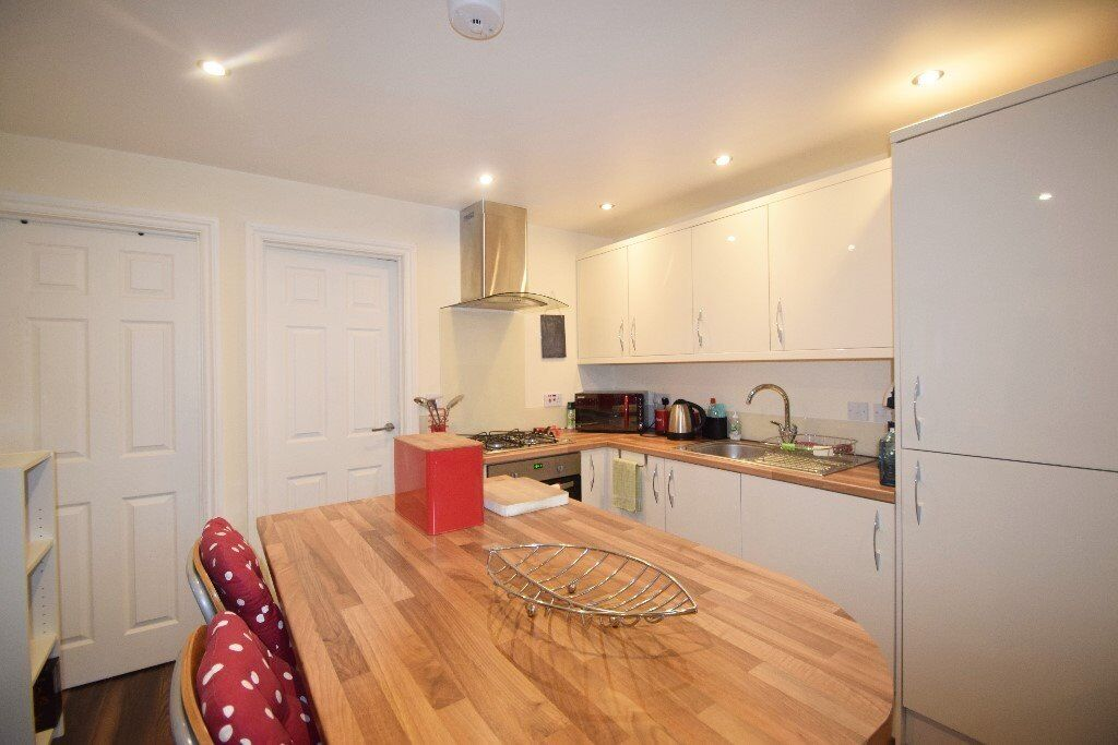 Recently Refurbished Two Double Bedroom Flat