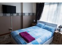 Luxurious Rooms Holiday Lets available around Glasgow. City Center, West End