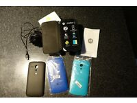 Motorola Moto G 4g mobile phone unlocked and with phone covers