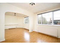2 Bedroom Apartment To Let in a Prime Location In St Catherine's Court, Chiswick
