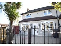 Lovely 3 Bed, Own Gated Drive, Garden, 2 Toilets, Very Clean, 5 Minutes Walk to Upney Tube Station.