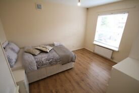 2 Large rooms in Stepney Green, E1