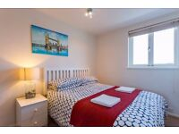 **THAMES RIVER VIEW KING BEDROOM IN CHISWICK** (Bills Included)