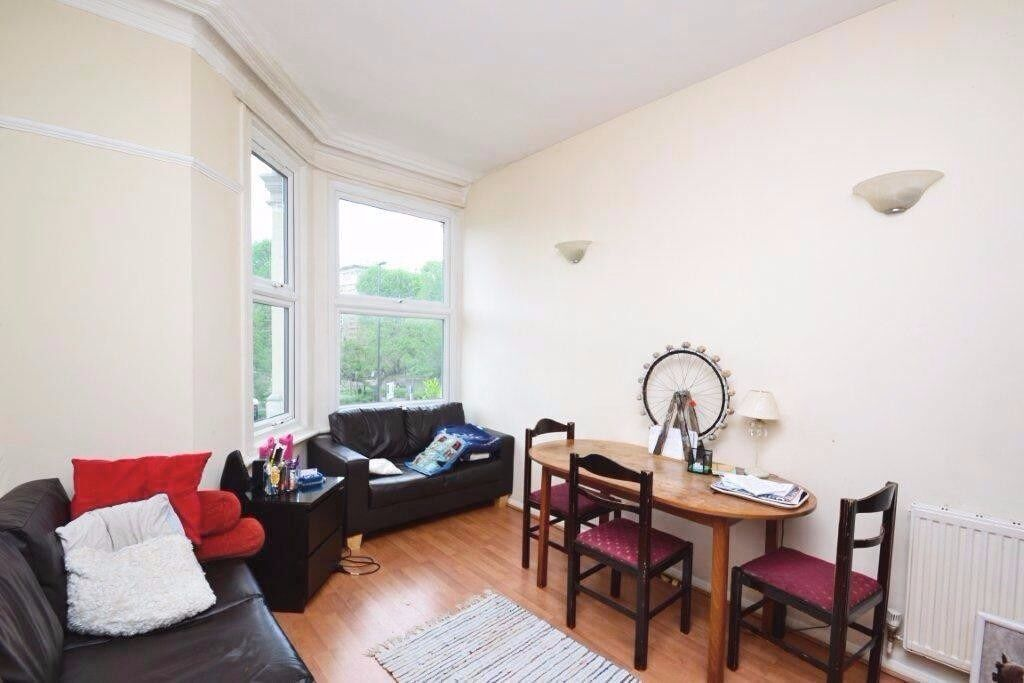 Fantastic 3 bed flat on The Vale, W3 close to Chiswick, Hammersmith and Shepherd's Bush