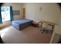STUDENT DOUBLE ROOM - EN SUITE - OPEN PLAN KITCHEN/DINER - BALCONY - AVAILABLE NOW