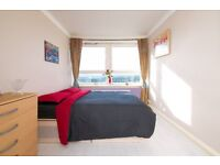 Double room next to Greenwich University, 240 pw. (With living room!)