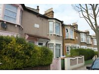 ****AMAZING 3 BEDROOMS HOUSE TO LET****