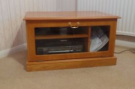 Wood Veneered TV Unit