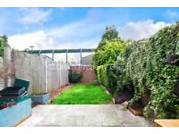 3 BED HOUSE AVAILABLE NOW - 5 MINS TO VICTORIA PARK - TRANSPORT LINKS NEARBY - PRIVATE GARDEN