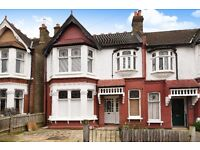 Large 3 bed flat, Braxted Park, Streatham SW16 £1895 per month