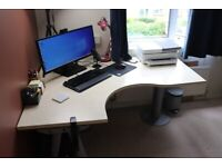 Spacious Corner Desk for your Office / Home Office