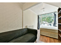 STUDENT INCENTIVES OFFERED!! Well maintained four bedroom property in Oval, Offered fully furnished.
