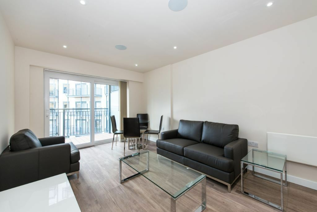 LUXURY 1 BED BEAUFORT PARK NW9 COLINDALE HENDON BURNT OAK MILL HILL