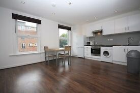 London N4. Very smart 2 bed flat. Close to Finsbury Park and Crouch End.