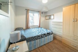 DOUBLE SINGLE USE ONLY *** room to rent in Limehouse * spacious* clean* beautiful room for you :)