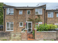SHORT LET! A spacious semi-detached three bedroom house set in cul-de-sac close to Fulham Broadway