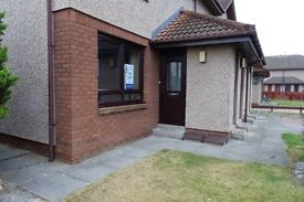 1 bed flat in Elgin, fully furnished, double glazing, gas central heating and garden £525 must view