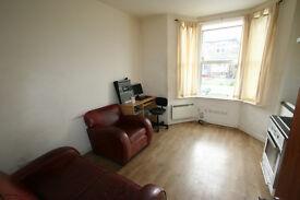 One bed Garden Flat, SE3, 1min wk to train station £219pw Westcombe Pk, Greenwich, Blackheath,London
