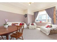 Spacious 3 bed flat in Streatham. Part furnished. Available immediately.