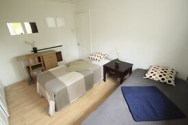 LOVELY NEW TWIN ROOM TO RENT IN A COMFY TWIN ROOM TO RENT NEAR CAMDEN TOWN TUBE STATION. 37A