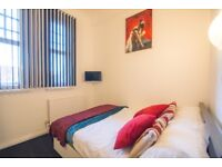 MANCHESTER CITY CENTRE Furnished En-suite Room/shared kitchen ,NO FEES, NO DEPOSIT and FREE WiFi