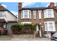 A delightful large three bedroom house to rent in Brockley - Bexhill Road