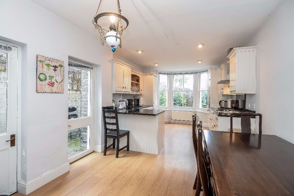 *NEW PROPERTY* A charming four double bedroom Victorian family home, located on Clonmel Road, Fulham
