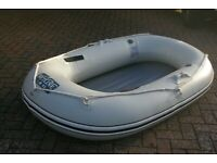 Inflatable dinghy tender