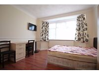 Ground Floor Studio Flat to Rent in Hounslow Central with Bills Included