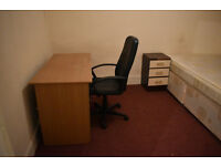 A nice double room to rent at plaistow
