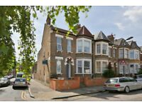 Large, Modern 2 Double Bed Period Flat Close to Hackney Central, Clapton & Hackney Downs Stations