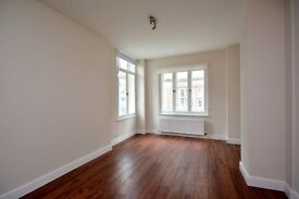 **AMAZING LOCATION** Newly refurbished 1 bedroom apartment WOOD FLOORS MODERN KITCEN and BATHROOM