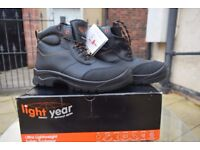 LIGHTYEAR MENS BLACK CERAMIC FREE WORK / SAFETY BOOTS SIZE 7 (EU 41)