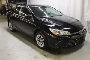 2015 Toyota Camry LE (BLUETOOTH A/C !!)