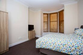 LARGE DOUBLE ROOM TO RENT, NEWLY DECORATED, FULLY FURN, ALL BILLS INC, SKY TV, WIFI, NO DEPOSIT