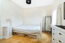 Contemporary and spacious 1 bedroom flat!