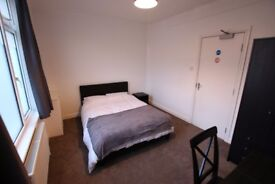 2 Rooms within shared accommodation with 2 bathrooms