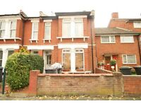 DSS welcome! Families Only! Spacious 4/5 Bedroom House Close To Turnpike Lane Piccadilly