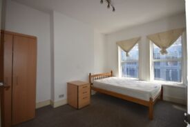 1 BED FLAT ON THIRD FLOOR ON CHURCHFIELD ROAD, ACTON. CLOSE TO ACTON HIGH STREET AND TRANSPORT.