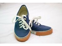 ladies canvas shoes, worn once, size 2