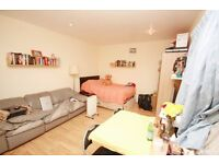 Including bills! A studio with separate kitchen located close to zone 2 station & amenities
