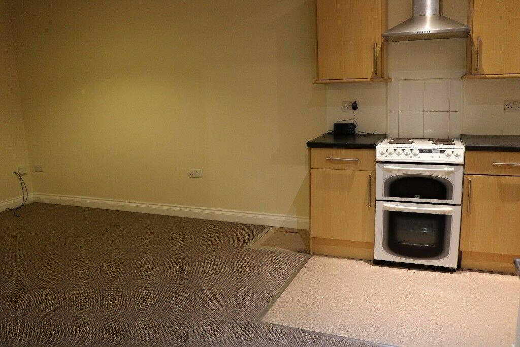 2 bed-roomed flat close to Central Park/City Center