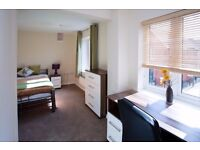 LUXURY PROFESSIONAL HOUSESHARE 2 DOUBLE BEDROOMS HP18 0FL