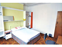 2 fully furnished double rooms available in a spacious houseshare in Shepherds Bush, ALL BILLS INCL.