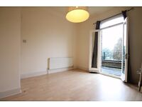 1 Double Bedroom * PRIVATE BALCONY * Stoke Newington* Available Now