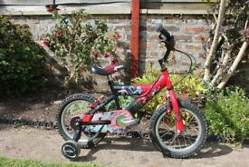 Child's Bike, Suitable for 4-6 years of age. Stabilisers included.
