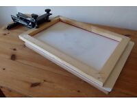 1 Station Screen Printing Carousel with 10 Wooden Mesh Screens