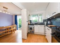 Gomm Road - A spacious three bedroom two bathroom house with private garden and clsoe to station